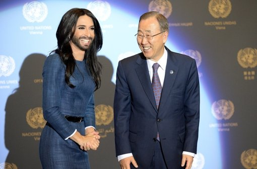 Conchita Wurst with Ban Ki-Moon at UN